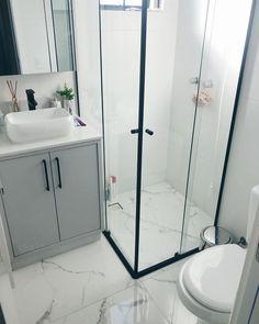 Small Bathroom Plans, Small Bathroom Interior, Small Bathroom Layout, Small Bathroom Renovations, Small Bathroom With Shower, Tiny Bathrooms, Tiny House Bathroom, Bathroom Design Luxury, Master Bathroom