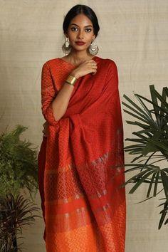 Urban Drape Sunset Halo Saree Trendy Sarees, Stylish Sarees, Dusky Skin, Indian Aesthetic, Saree Poses, Indian Bridal Outfits, Dress Indian Style, Saree Look, Elegant Saree