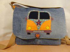 Sac à mains besace à bandoulière en jean recyclé patchwork motif combi hippy