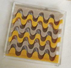 Я давно хотела сделать мыло, именно по дизайну CopaCabana замечательного бразильского мыловара Amauri .Художника в своем деле. Я увидела ...