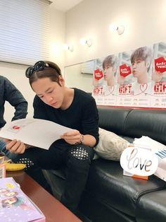 Jang Keun Suk 16_Mzo_2017 Gift meting on Osaka Day 3