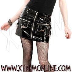 ¡Echa un vistazo a nuestra colección de faldas góticas y dark! Artículos en stock. Envíos inmediatos. Gothic metal.