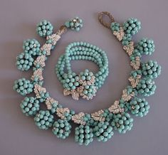 Mariam Haskell, this set is lovely.