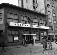 """Astória - """"Astorka"""" slúžila aj na takéto účely. Bratislava, Old Photos, Ulice, Socialism, Retro, Photos, History, Architecture, Old Pictures"""