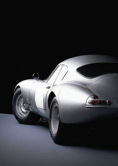 "boxerfanatic: "" gentlemansessentials: "" E-Type Gentleman's Essentials "" Lightweight low drag coupe, very nice! """