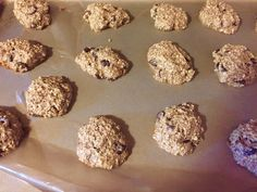 Chocolate Chip Oatmeal Cookie, kid friendly fit girl approved  Download my FREE Healthy Recipe Guide http://jackieenos.com/healthyrecipes/  #chocolatechipcookies #healthyrecipes #healthycookierecipe