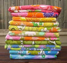 by thought & found / Sheila Motif Vintage, Vintage Textiles, Vintage Love, Vintage Decor, Retro Vintage, Fabric Patterns, Print Patterns, Vintage Sheets, Vintage Bedding
