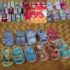 Promoção para renovar o estoque  Sapatinhos e sandalinhas femininas disponível do número 13 ao 18   03 pares por apenas  5000  Informações e pedidos pelo whatsapp  62-93816868 #gabybabymodabebe #bomdia #babys #menina #princesa #sandalias #sapatos #prom #maededois #maedemenina #maedeprincesa by gabybabymodabebe http://ift.tt/1s0QNtz