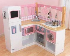 Corner kitchen for Emma and Blake