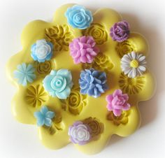 DIY Flower Cabochons. You can use this mold with clay, fondant, soap, wax or PMC!!  I also have a sugar recipe to make cute flower sugars for tea parties!!