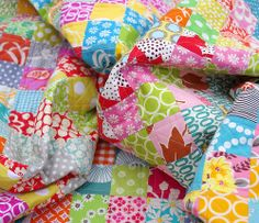 Red Pepper Quilts: The Scrappy Trip Along Quilt.
