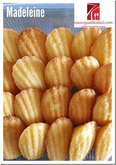 Classic French Madeleine (法国玛德琳小蛋糕) Madeleine Cake, Madeleine Recipe, Raisin Filled Cookies, Banoffee Tart, Apple Cinnamon Muffins, Sponge Cake Recipes, Sallys Baking Addiction, Toasted Pecans, Non Stick Pan