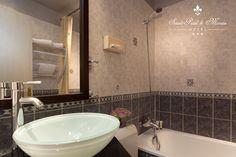 PARIS I Hôtel Saint-Paul Le Marais - 8, Rue de Sévigné, 75001 PARIS - A Bathroom