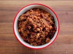 """Quick Chili (Double Game Day) - """"The Pioneer Woman"""", Ree Drummond on the Food Network. Quick Chili Recipe, Chili Recipes, Soup Recipes, Cooking Recipes, Dinner Recipes, Dinner Ideas, Freezer Recipes, Dinner Options, What's Cooking"""