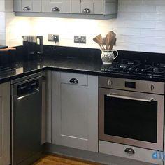 An Innova Linwood Grey Shaker Kitchen