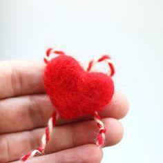 лв3.50 Ръчно изработена мартеница от вълна във формата на сърце. Носи послание за здраве и благополучие, но най-вече за любов. Поднесете своите добри чувства и пожелания със стил. И тъй като дълго ще бъде допълнение към ежедневния гардероб – внася в него красив и артистичен акцент.  Размер: 3.5 х 3 см Материал: вълна Baba Marta, Joy, Holiday, Vacations, Holidays, Happiness, Vacation, Annual Leave