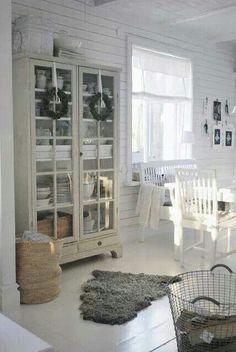 pin von herzst ckblog auf home inspiration pinterest eingang flure und esszimmer. Black Bedroom Furniture Sets. Home Design Ideas