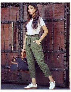 Indian Fashion Dresses, Girls Fashion Clothes, Fashion Pants, Look Fashion, Fashion Outfits, Clothes For Women, Fashion Beauty, Basic Clothes, Women's Clothes