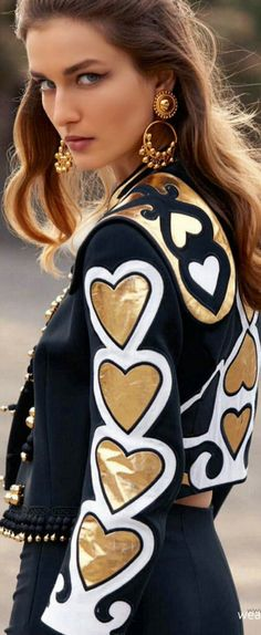 Chic In The City 2-   Moschino- LadyLuxury