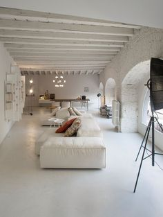 Boffi Apartment furnished in Living Divani furniture Salon Interior Design, Interior Decorating, Decorating Tips, Living Divani, Boffi, Piece A Vivre, White Rooms, Home Fashion, Home And Living