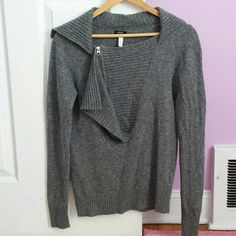 J.Crew sweater Size S.. in good condition,  no stain,  tears or damage.. have zipper on the front... J. Crew Sweaters
