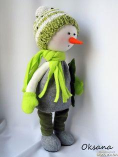 Сніговик Christmas Craft Show, Christmas Decoupage, Handmade Christmas Decorations, Holiday Decor, Snowman Crafts, Decor Crafts, Crochet Hats, Crafty, Dolls