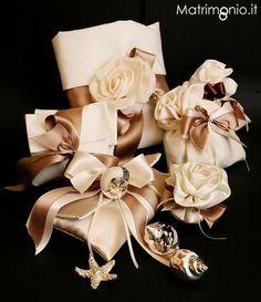 Bomboniere originali per il matrimonio.  Pochette e sacchetti realizzati con tessuti e colori esclusivi.