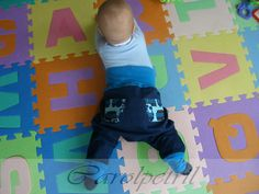 Baggy trousers for baby baby - Ottobre design