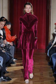 Y/Project Fall 2017 Ready-to-Wear Fashion Show