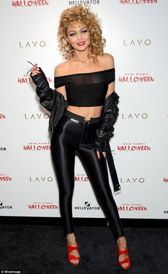 Gigi Hadid and Heidi Klum as Sandy from Grease and Jessica Rabbit - Halloween Costume - Costume Année 70, Sandy Costume, Halloween Costumes 2014, Best Celebrity Halloween Costumes, Halloween Outfits, Sandy Grease Costume, Halloween Party, Grease Costumes, Halloween Costume Ideas For Blondes