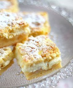 Apple cake of sweet pastry dough, vanilla pudding and crumble topping Cookie Desserts, No Bake Desserts, Delicious Desserts, Dessert Recipes, Coffee Dessert, Dessert Bars, Salty Cake, Swedish Recipes, Sweet Pastries