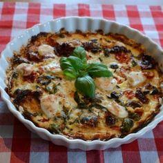 Italiensk paj med smaker av oliver, soltorkade tomater och basilika. Denna paj är vegetarisk och även gluten- samt laktosfri! Här hittar du receptet.