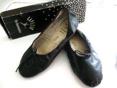 d472c9a3f2b Vintage Capezio Ballet Slippers Black Leather With Box Size 8