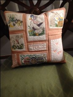 Anita Goodesign Vintage Easter as a pillow. Machine Embroidery Quilts, Machine Embroidery Projects, Embroidery Supplies, Designer Software, Brother Dream Machine, Anita Goodesign, Embroidered Quilts, Vintage Easter, Quilting Ideas