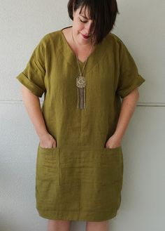 Arc Adeline Dress in Linen Yaaaassss. my new favorite cocoon dress! And maybe my new favorite dress, period. my new favorite cocoon dress! And maybe my new favorite dress, period. Linen Dress Pattern, Tunic Dress Patterns, Dress Making Patterns, Tunic Pattern, Clothing Patterns, Linen Tunic, Hipster Outfits, Dressy Outfits, Sewing Clothes