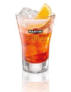Cocktail Martini Spritz  4cl (Martini)Bitter 6cl (Martini) Prosecco 2cl eau gazeuse  1/2 Rondelle d'orange  Glaçon