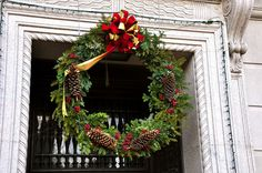 Wreath on the Christian Science Publishing House