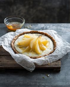 This nourishing No-Bake Poached Pear Flan with lime cream contains 'good carbs' that will keep you strong, boost your energy and help you stay healthy. Pear Varieties, Pear Dessert, Lime Cream, Bartlett Pears, Pear Tart, Good Carbs, Poached Pears, Creamy Cheese, Cream Recipes