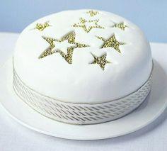 How to make a spiced snowflake Christmas cake | Pinterest | Cake ...