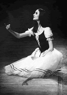 s o m a y m a l o u | lasylphidedubolchoi: A younger Svetlana...