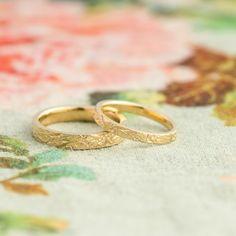 クロコダイルをイメージしたテクスチャが独特の結婚指輪。 [マリッジリング,marriage ring,ウエディング,wedding,K18,gold]