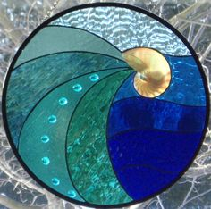 shells and stained glass - Yahoo Image Search results Stained Glass Designs, Stained Glass Panels, Stained Glass Projects, Stained Glass Patterns, Stained Glass Art, Art Of Glass, Glass Wall Art, Nautilus, Mosaic Art