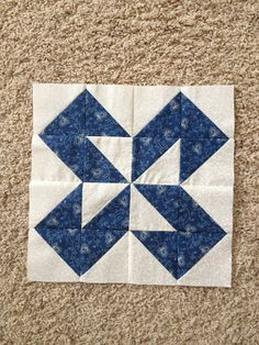 {Sisters and Quilters} Colchas Quilt, Scrappy Quilts, Patchwork Quilting, Mini Quilts, Star Quilt Blocks, Quilt Block Patterns, Pattern Blocks, Block Quilt, Half Square Triangle Quilts Pattern