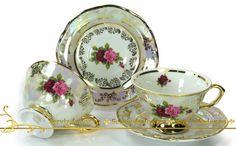 чайные чашки и тарелки