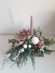 Christmas Flower Decorations, Christmas Flower Arrangements, Christmas Flowers, Christmas Mood, Christmas Centerpieces, Christmas Wreaths, Christmas Crafts, Christmas Candle Holders, Christmas Candles
