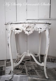 Beautiful little antique table done in shabby chic look. LOVE this!! 36 Fascinating DIY Shabby Chic Home Decor Ideas