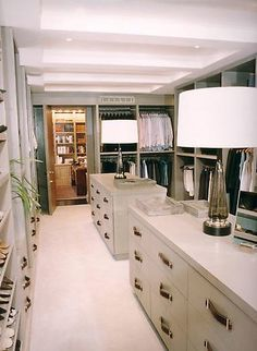 I love the dressers in the middle! no bulky dresser in the bedroom!