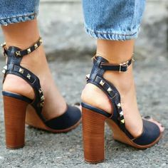 Dana 'DD' Olivia Davidson – Fashion