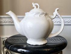 Grace's Teaware White Scroll 4 Cup Teapot Belleek China, Vintage Teapots, Coral Design, Tea For One, Scroll Pattern, Pansies, Tea Pots, Cups, Tableware