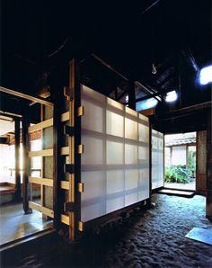 Image 6 of 18 from gallery of Wood Old House / Tadashi Yoshimura Architects. Photograph by Hitoshi Kawamoto Japanese Interior Design, Japanese Home Decor, Japanese Modern, Japanese House, Japanese Joinery, Japan Architecture, Ancient Architecture, Architecture Details, Interior Architecture